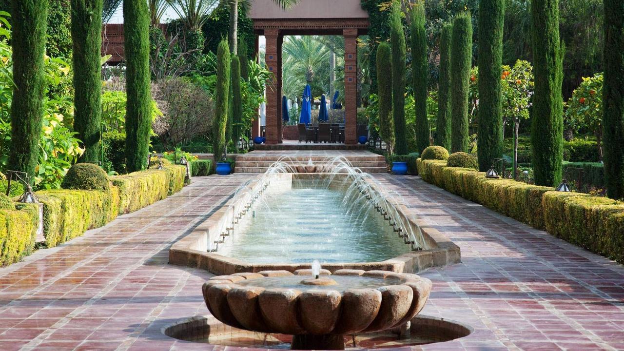Vaste h tel 5 toiles vendre dans le quartier gueliz for Hotels 5 etoiles marrakech